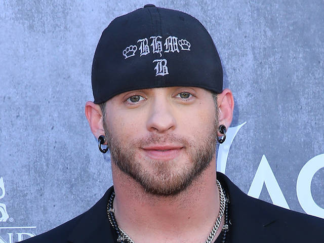 The 32-year old son of father Keith Gilbert and mother Becky Gilbert, 183 cm tall Brantley Gilbert in 2017 photo
