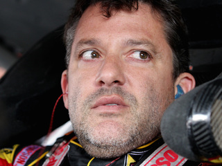 6 questions about Tony Stewart's deadly crash
