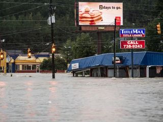 Historic rainfall hits South Carolina