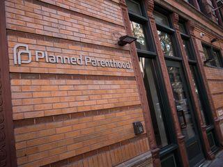 Senate passes doomed Planned Parenthood bill
