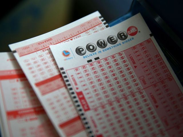 Feeling lucky? Winning $348M Powerball numbers