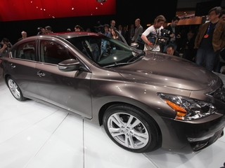 Nissan issues recall for hood latch problems