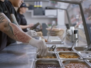 Mass. Chipotle closes over norovirus concerns