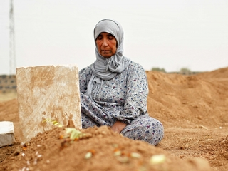 UN envoy says 400,000 have died in Syrian war