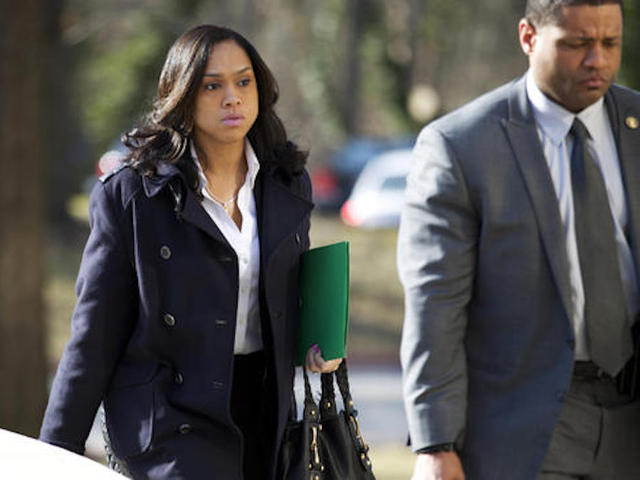 Freddie Gray: Prosecutor criticized after officer acquittal