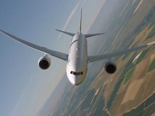 Boeing 787-9 Dreamliner preps for Farnborough
