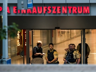 10 dead in Munich attack, shooter acted alone