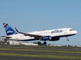 Turbulence on JetBlue flight hospitalizes 24