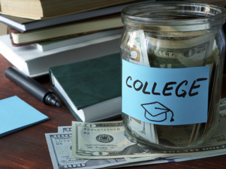 Infographic: How Americans pay for college