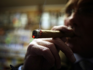 US travelers can buy unlimited Cuban cigars, rum