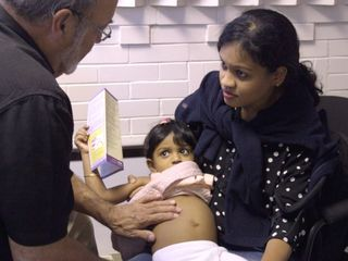 Candian clinic treats refugees for free