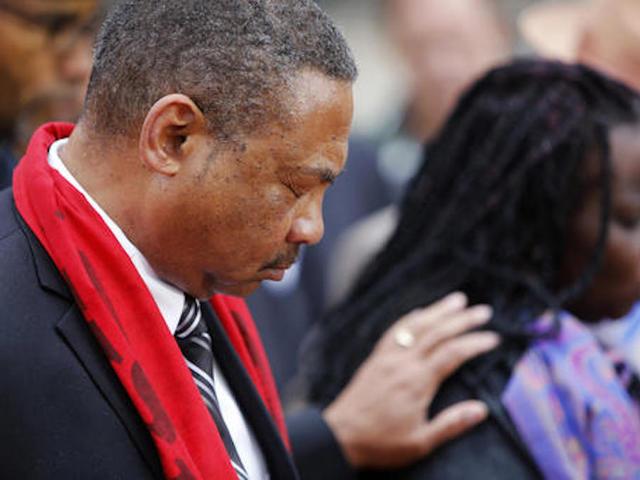 Judge declares mistrial in fatal police shooting of Walter Scott