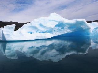North Pole temperatures near melting point