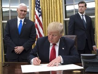 Trump signs executive order targeting Obamacare