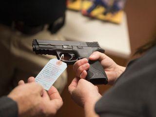 AZ House panel OKs bill on private gun sale laws