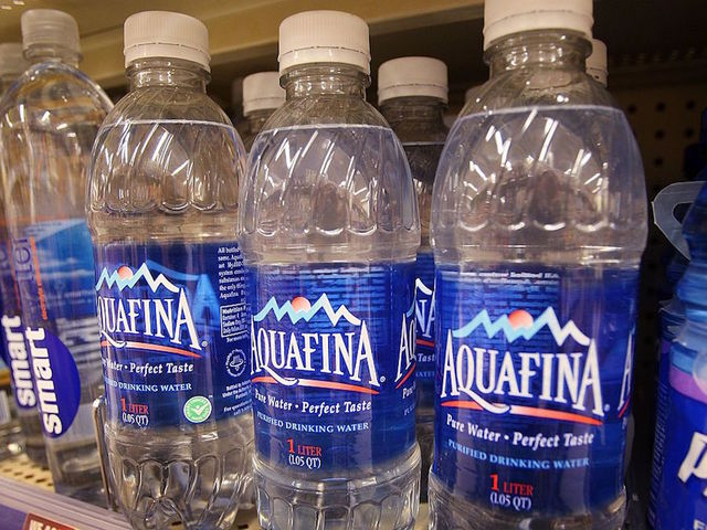 Americans Now Prefer Bottled Water to Soda