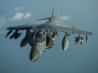 US airstrike mistakenly hits US-backed fighters