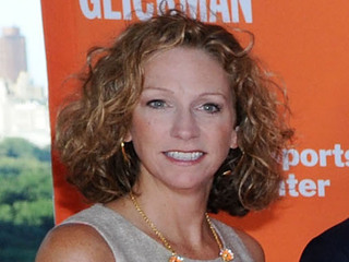 Beth Mowins breaks barrier, will call NFL game