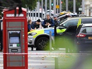 Car runs into pedestrians near London museums
