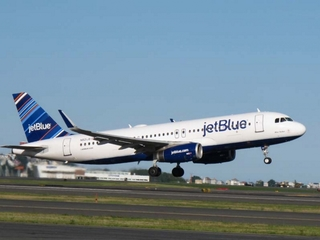 Turbulence on JetBlue flight hospitalizes 24