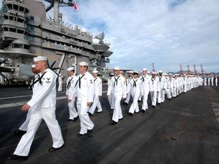 US Navy bans e-cigarettes on vessels, aircraft