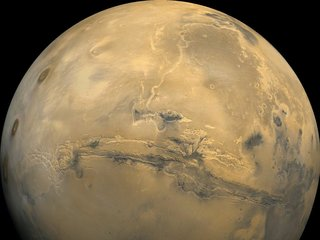 Mars' toxic surface may prevent living there