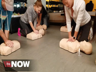 Hesitation makes women less likely to get CPR