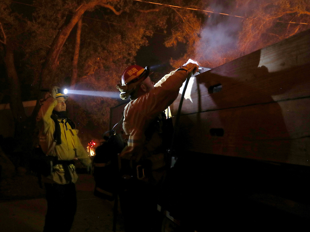California wildfires forces release of racehorses in San Diego
