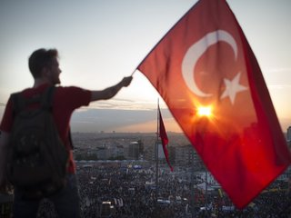 US says visa services will resume in Turkey
