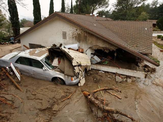 Death toll rises in wake of mudslides