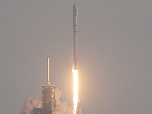 SpaceX blasts its first broadband satellites into orbit
