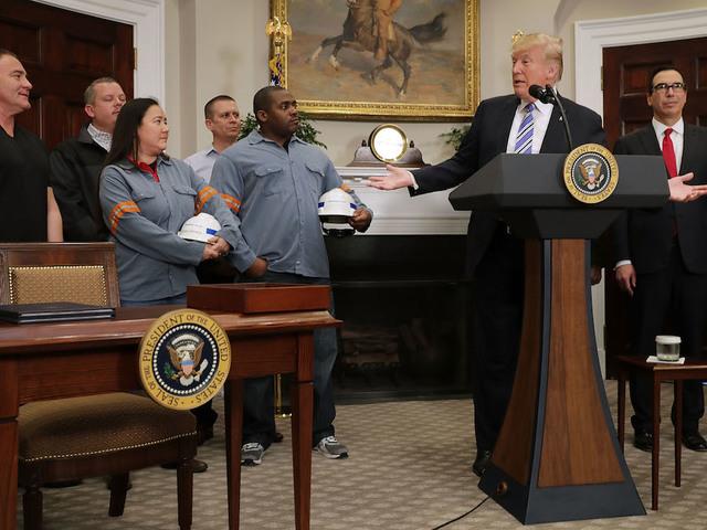 Trump Seeks $100 Billion Cut in US-China Trade Deficit