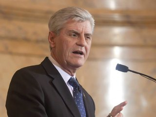 Mississippi enacts new abortion restriction law
