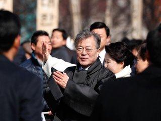South Korea's Leader Hints At 3-Way Talks...
