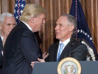 Trump repeats support for Pruitt amid scandals
