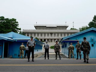 Koreas reportedly move to ease tensions