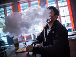 FDA cracks down on e-cig use in young people