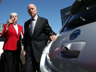 Calif. leads effort to protect gas mileage goals