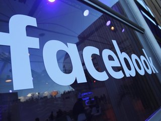 Facebook purges 800 accounts for spamming users