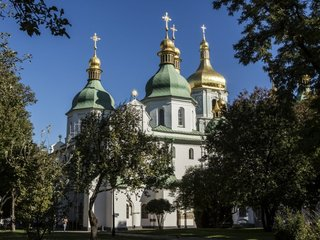 Russian church splits from Constantinople